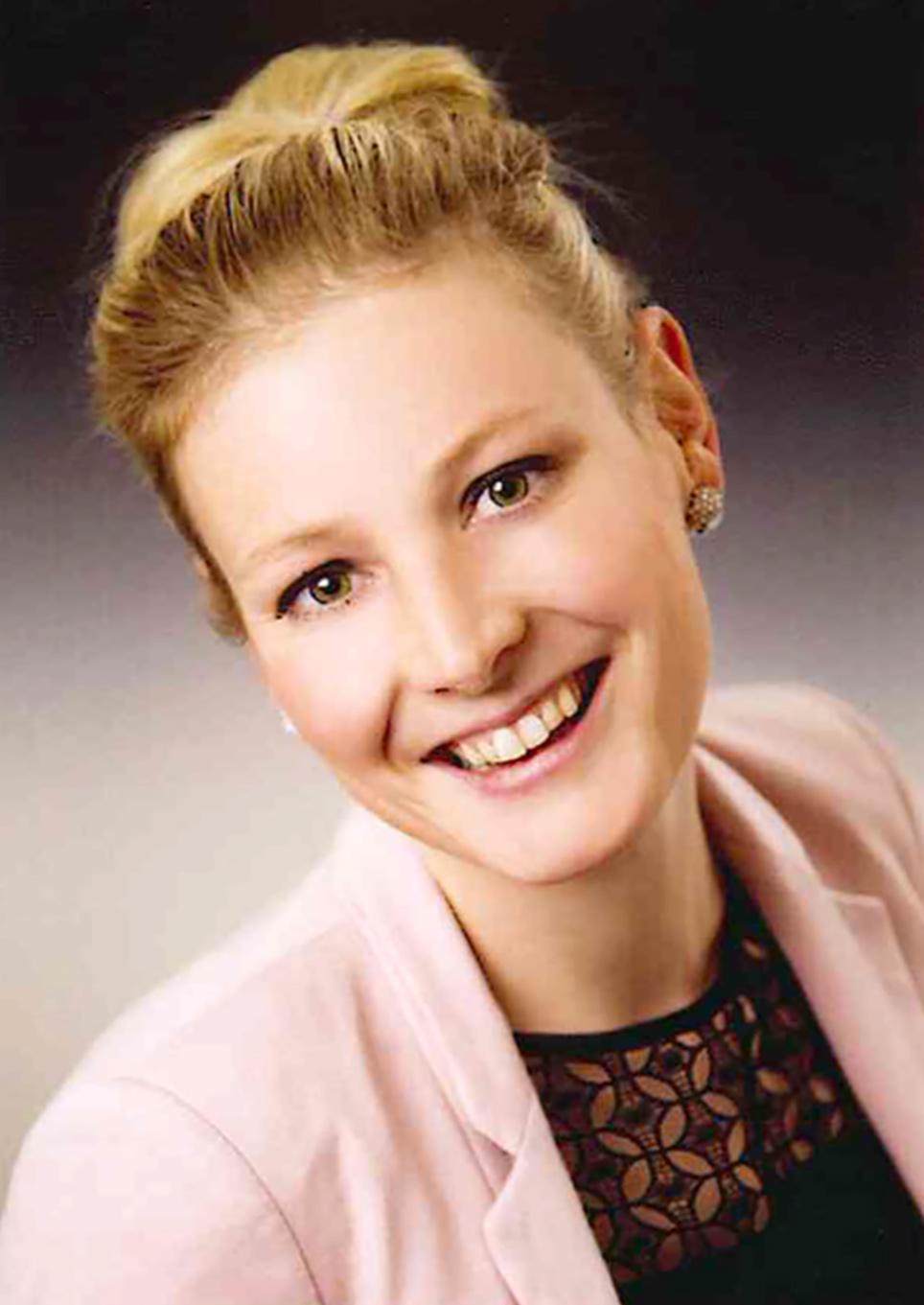 Anne Ewert